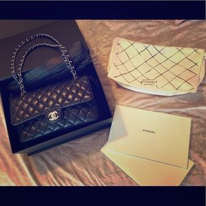 Classic black quilted lambskin Chanel
